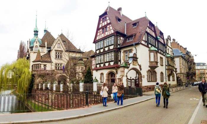 school in strasbourg