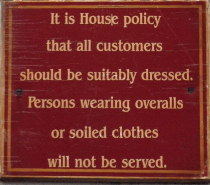 pub london sign photo
