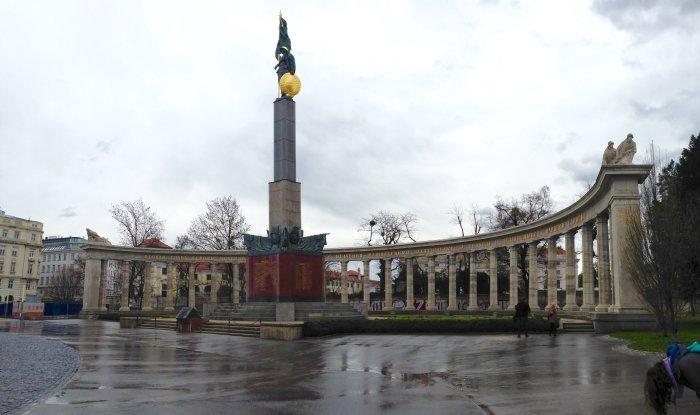soviet war memorial vienna photo