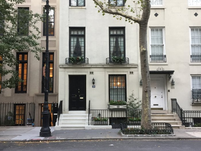 nyc midtown townhouse