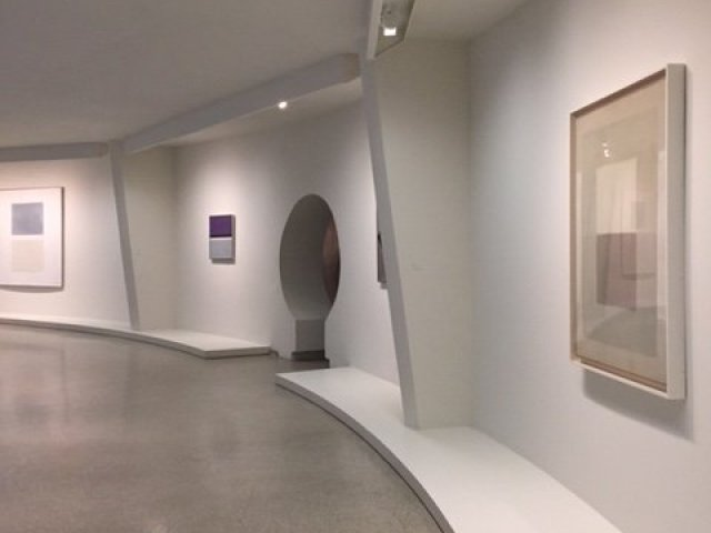 agnes martin works guggenheim exhibition