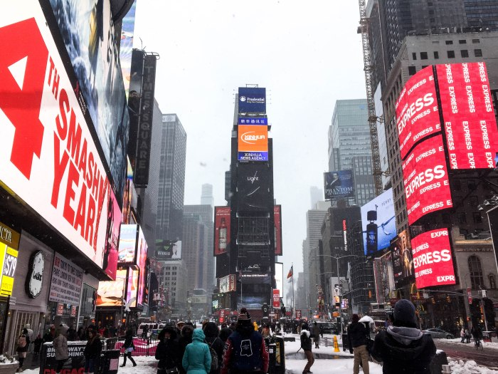 times square nyc snow