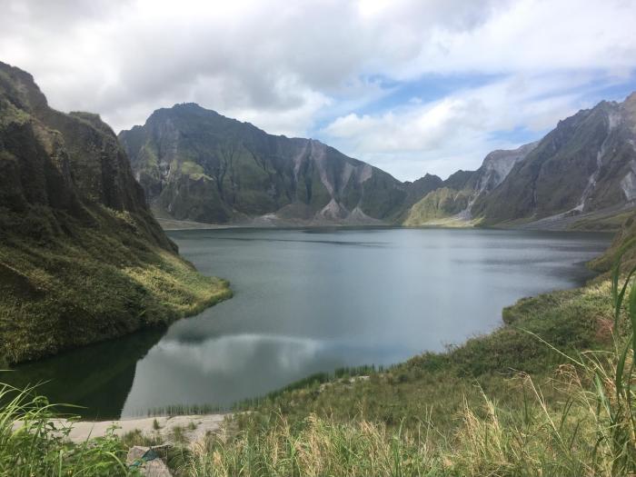 pinatubo crater lake