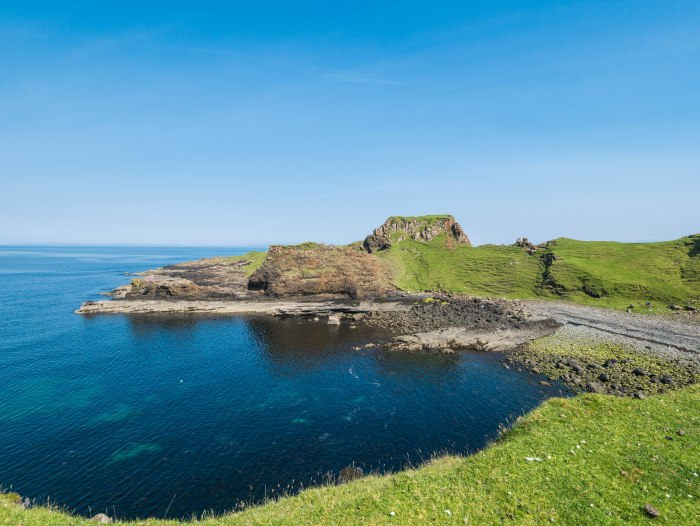 Brothers point on the Isle of skye is a must-do under the radar hike when visiting Scotland. It has millennia of history and offers beautiful views of the Scottish coastline.