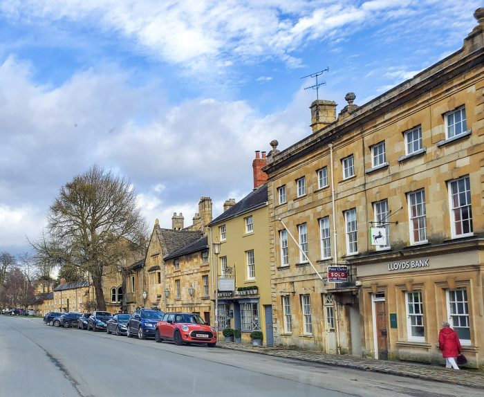 chipping campden main high street cotswolds