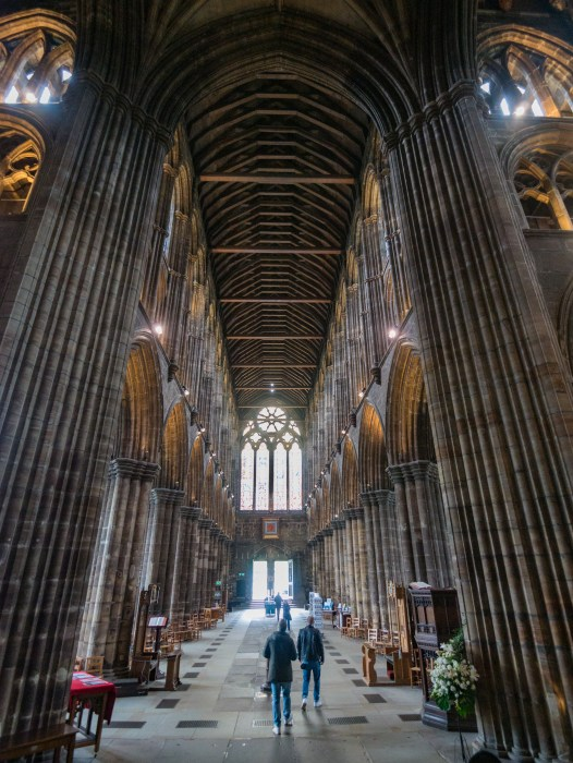 glasgow cathedral nave showing height of ceiling