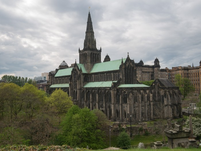 glasgow cathedral exterior viewed from glasgow necropolis
