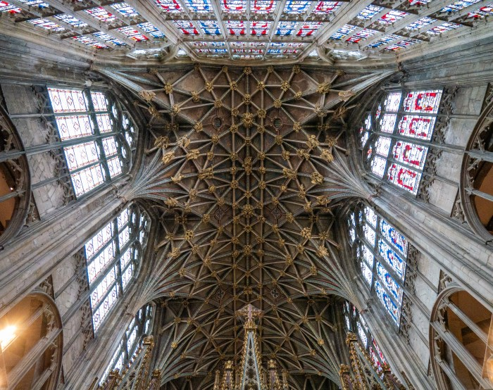 intricate vaulted ceilings of gloucester cathedral