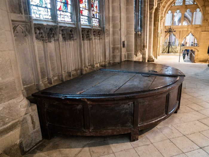 gloucester cathedral cope chest