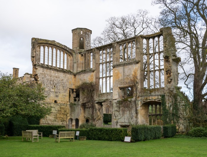 ruins of richard III's banqueting hall at sudeley castle taken in 2020