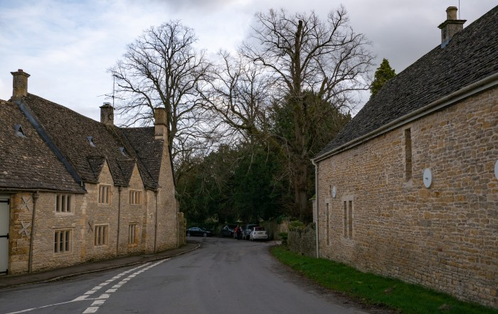 homes in upper slaughter in the cotswolds