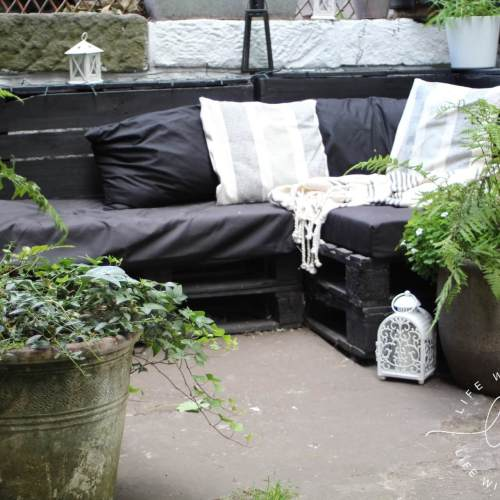 How to Make A Pallet Sofa - Tutorial - Yarden Ideas - Life with Holly
