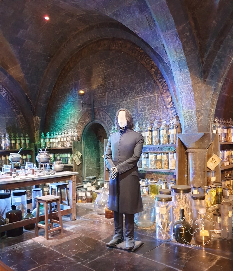 Snape's Potion Classroom Harry-Potter-Studios-Tours-Tips-and-Advice-for-Getting-the-Most-Out-of-Your-Trip-by-Life-with-Holly