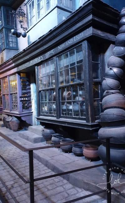 Harry Potter Studios Tour – Warner Bros – The Making of Harry Potter!