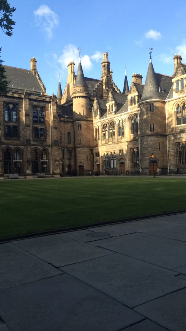 Quad in University of Glasgow with a path around the outside of it.