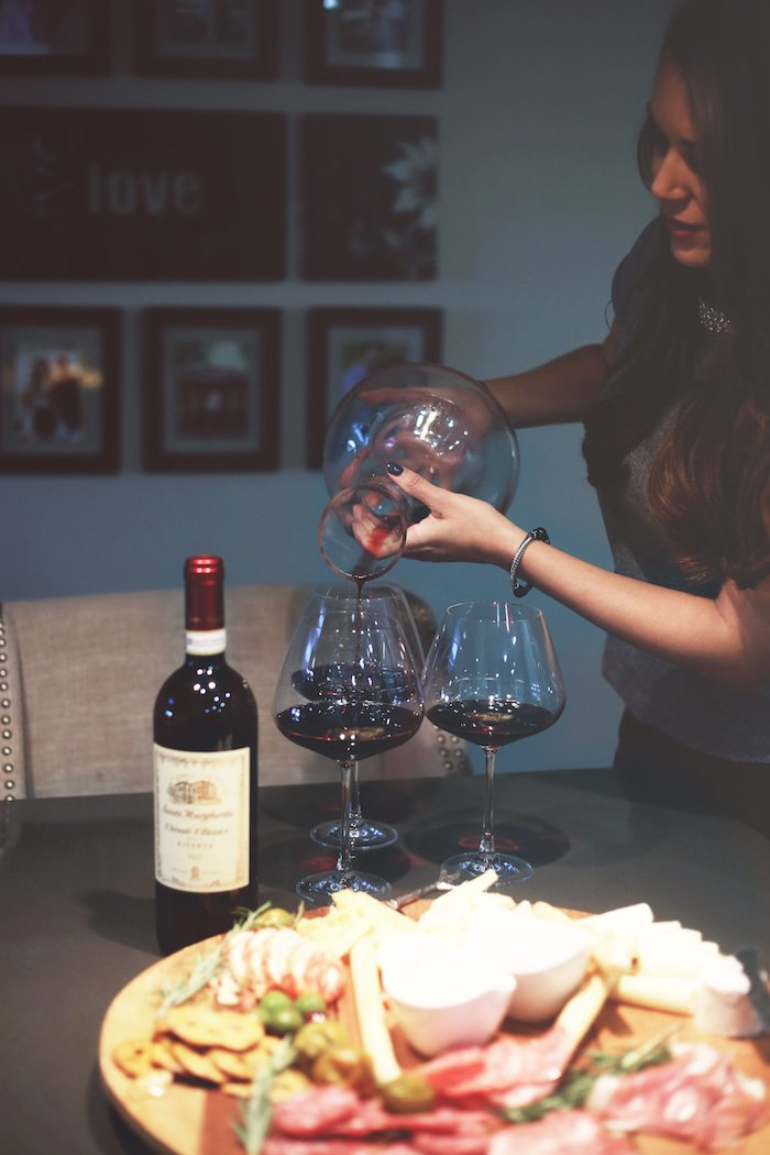 santa margherita chianti classico riserva, perfect wine pairing for a charcuterie and holiday party idea. Click to see more easy holiday entertaining ideas