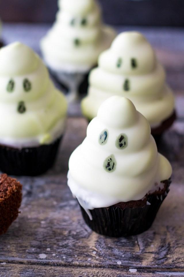 Spooky Ghost Hi Hat Cupcakes (1 of 1)