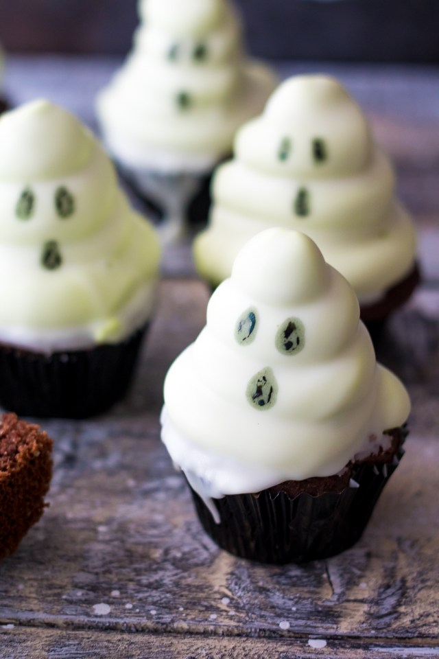 Spooky Ghost Hi Hat Cupcakes (1 of 1)
