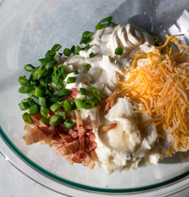 Loaded Baked Potato Dip-1