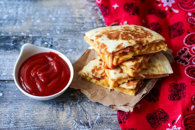Loaded Mac & Cheese Quesadilla-11