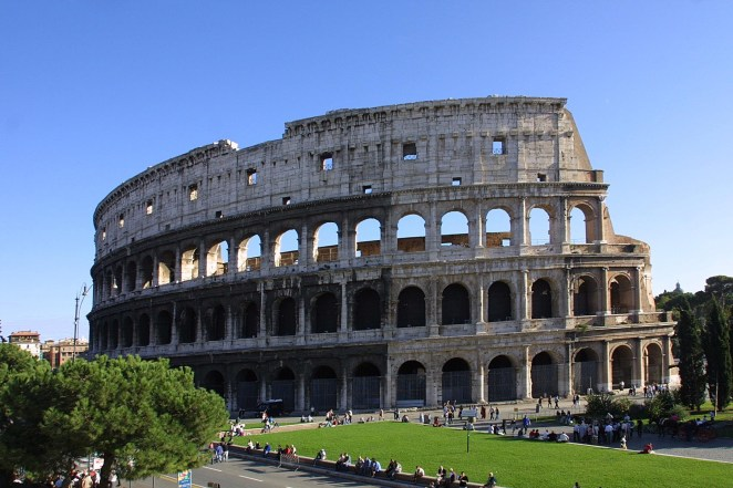 LXP Beautiful Location Getaway Italy Colloseum