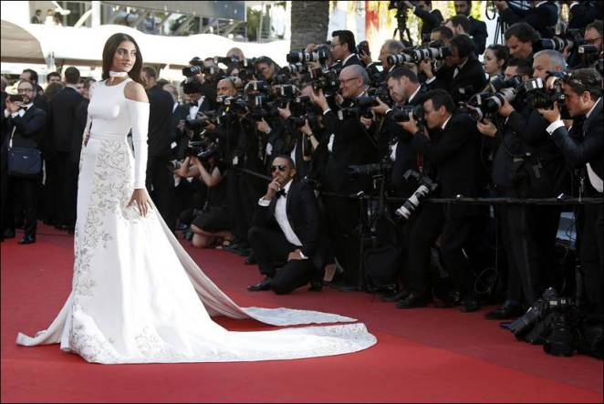 """Actress Sonam Kapoor arrives for the screening of the film """"Mal de pierres"""" (From the Land of the Moon) in competition at the 69th Cannes Film Festival in Cannes"""