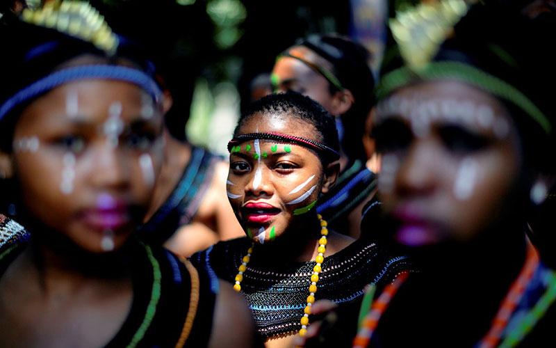 Strange traditions that hurt women