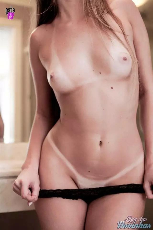 mily-cunha-nua-pelada-52
