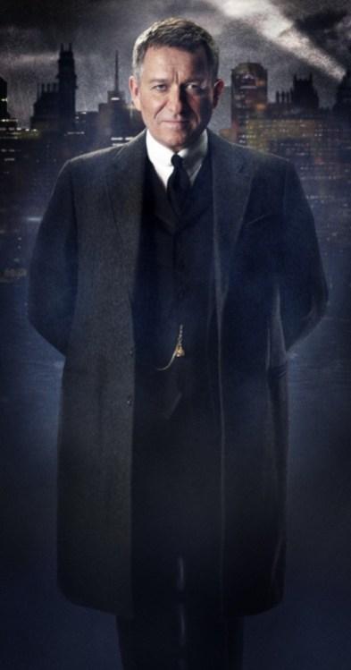 Alfred Penyworth (Sean Pertwee)