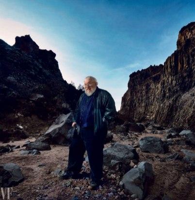 O autor, George R. R. Martin, fotografado em Diablo Canyon, Santa Fé, Novo Mexico, EUA.