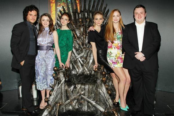game-of-thrones-cast-sings-game-of-thrones-moviepilot-vhhnl6qb