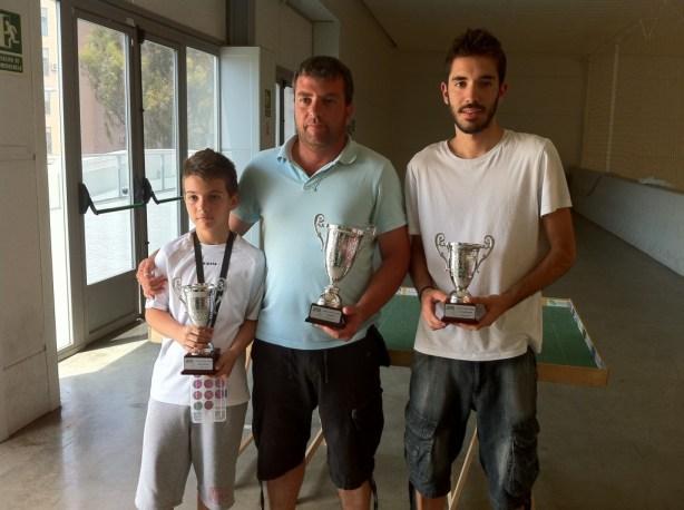 Kaky campeón, Emilio subcampeón y Enrique tercer clasificado. Francis Soler fue semifinalista.