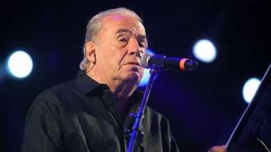 صورة وفاة المغني وكاتب الأغاني المكسيكي أوسكار شافيز بسبب أعراض فيروس كورونا في سن 85
