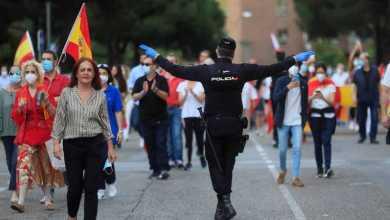 صورة إسبانيا: مكتب المدعي العام يقر إن حالة الإنذار ليست كافية لحظر المظاهرات باستثناء الخطر على الصحة العامة