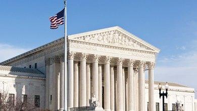 صورة تعزز المحكمة العليا في الولايات المتحدة من قوة ترامب في عمليات الترحيل السريع