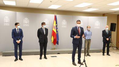 صورة رئيس الحكومة الإسبانية بزيارة ميدانية لفريق مركز التنبيهات وتنسيق الطوارئ كوفيد-19
