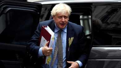 """صورة بوريس جونسون يدافع عن قانون مثير للجدل يعدل اتفاق خروج بريطانيا لتجنب """"التفسيرات غير المنطقية"""""""