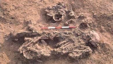 صورة شَعْب قديم احتفظ بموتاه على مقربة منه