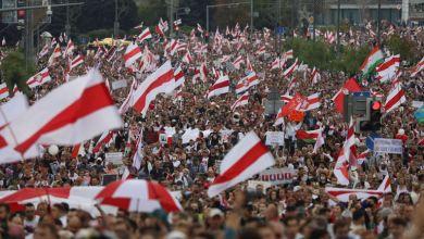 صورة الأحد الرابع على التوالي في بيلاروسية احتجاجات حاشدة ضد الرئيس لوكاشينكو واعتقال أكثر من مائة شخص.