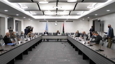 صورة بعد ست سنوات من دمار الحرب الاهلية الحكومة والبرلمان الليبيان يوقعان وقف إطلاق نار دائم في جنيف