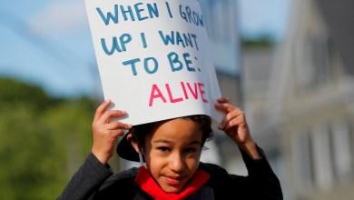 صورة الديمقراطيون يطالبون أصوات المجتمع الأفريقي الأمريكي كسلاح ضد العنصرية الممنهجة والمساواة في مواجهة سلبية ترامب