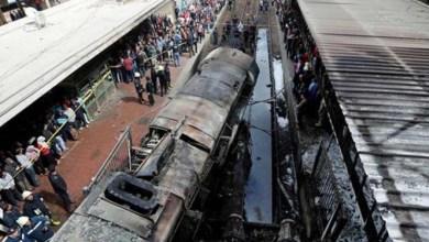 صورة مقتل 32 شخصًا على الأقل وإصابة 66 آخرين في تصادم قطارين بجنوب مصر