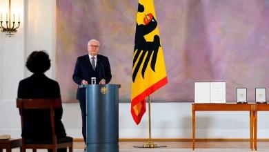 صورة الإنهيار الأوروبي والمحكمة الدستورية الألمانية تعلق التصديق على صندوق إنعاش الاتحاد الأوروبي