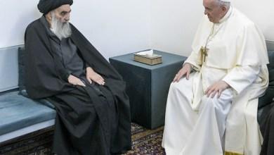 صورة البابا فرنسيس يعقد لقاءا تاريخيا مع آية الله علي السيستاني في النجف (العراق)