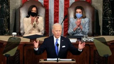 """صورة الديمقراطي بايدن يدافع عن مشروع طموح للحكومة أمام الكونجرس الأمريكي ويقول """"أمريكا عادت"""""""