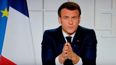 صورة المافيا تعمل في صمت وماكرون مكتوف اليدين يعلن الأغلاق العام في كل أنحاء فرنسا