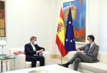 صورة رئيس الحكومة الائتلافية سانشيز يؤكد لرئيس COP26 التزام إسبانيا بالتحول الأخضر