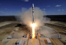 صورة الصاروخ الصيني غير المتحكم فيه بالغلاف الجوي للأرض سيصطدم في فجر اليوم