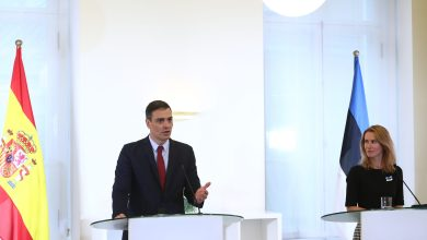 صورة رئيس الوزراء الإسباني يزور إستونيا الوجهة الأولى في رحلة تستغرق ثلاثة أيام إلى دول البلطيق