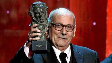 صورة وفاة المخرج السينمائي ماريو كامو الفائز على وسام شرف جويا وجائزة الدب الذهبي في مهرجان برلين السينمائي 1983